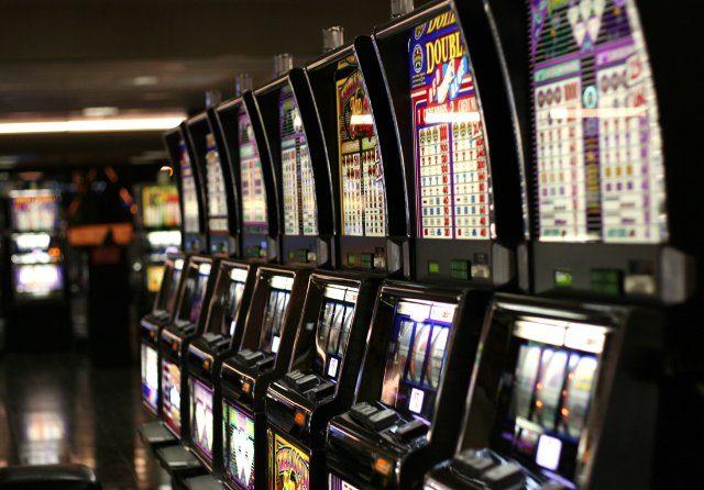 Игровые автоматы играть на деньги в казино