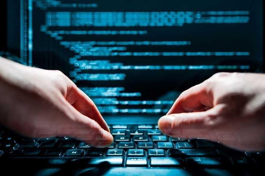 Трое украинцев задержаны за кибератаки в США