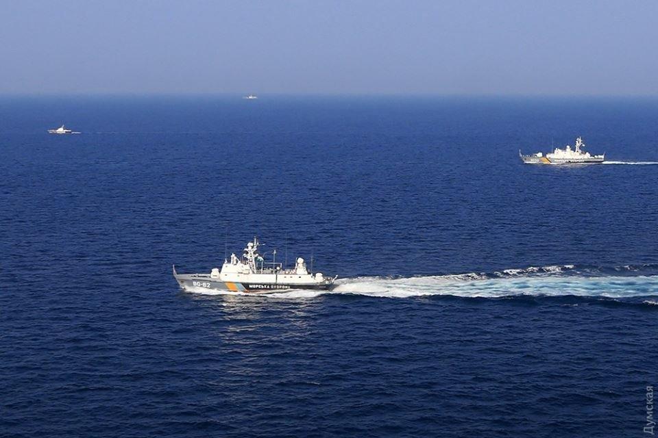 В Азовском море Россия задержала более 150 судов, следовавших в Украину