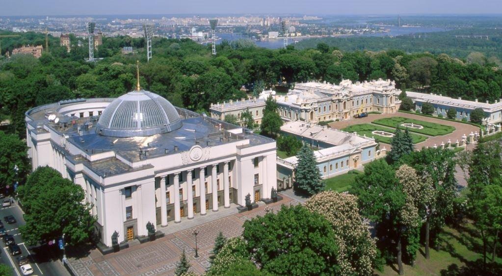 В Киеве усиленно патрулируют потенциальные огневые точки террористов — Луценко