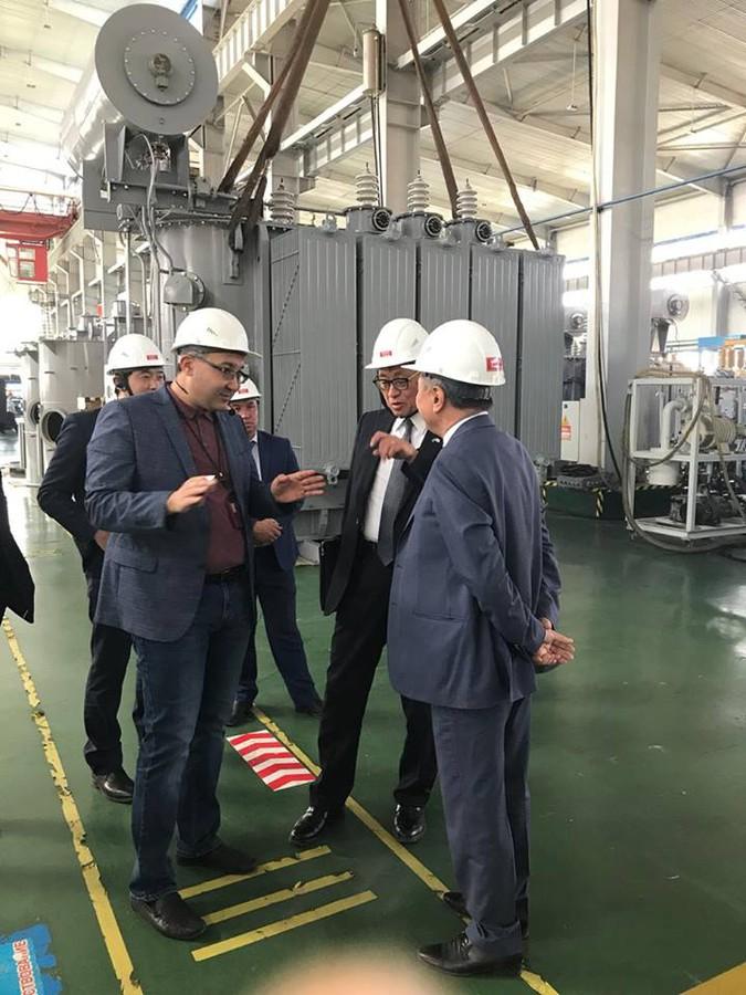 Делегация из Японии побывала на Кентауском трансформаторном заводе