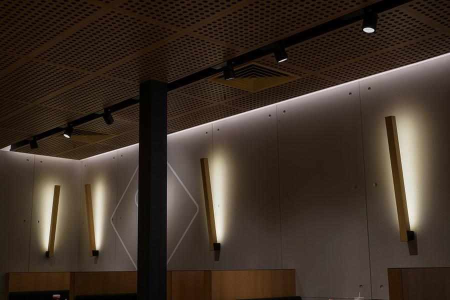 Свет Philips в Макдоналдсе на Шаболовке в Москве