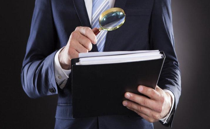 Бизнес опасается проверок: массово регистрируют своих сотрудников