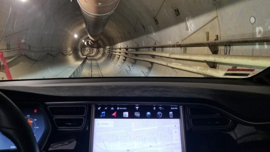 Маск завершил строительство туннеля под Лос-Анджелесом
