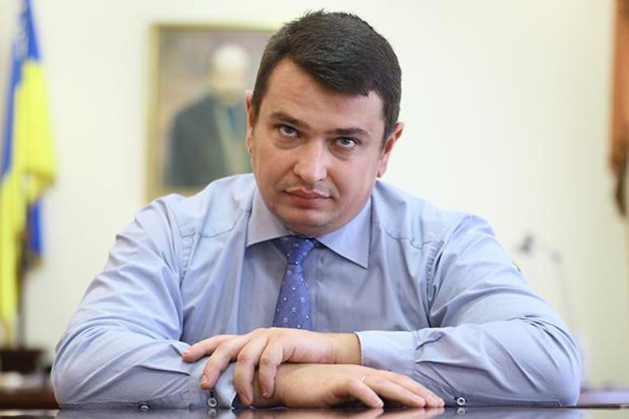 Против директора антикоррупционного ведомства открыли уголовное дело