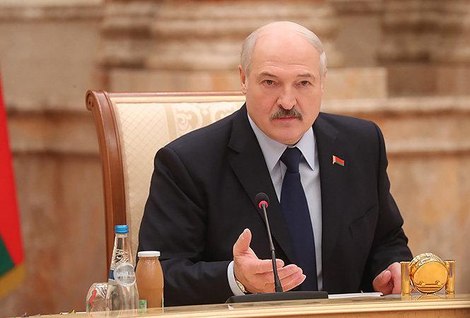 Лукашенко: Как-то неудобно у россиян просить деньги за военные базы