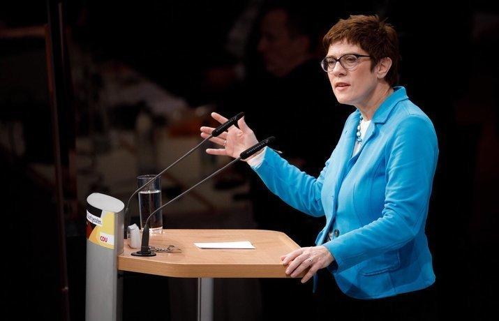Стало известно, кто сменил Меркель на посту председателя партии ХДС