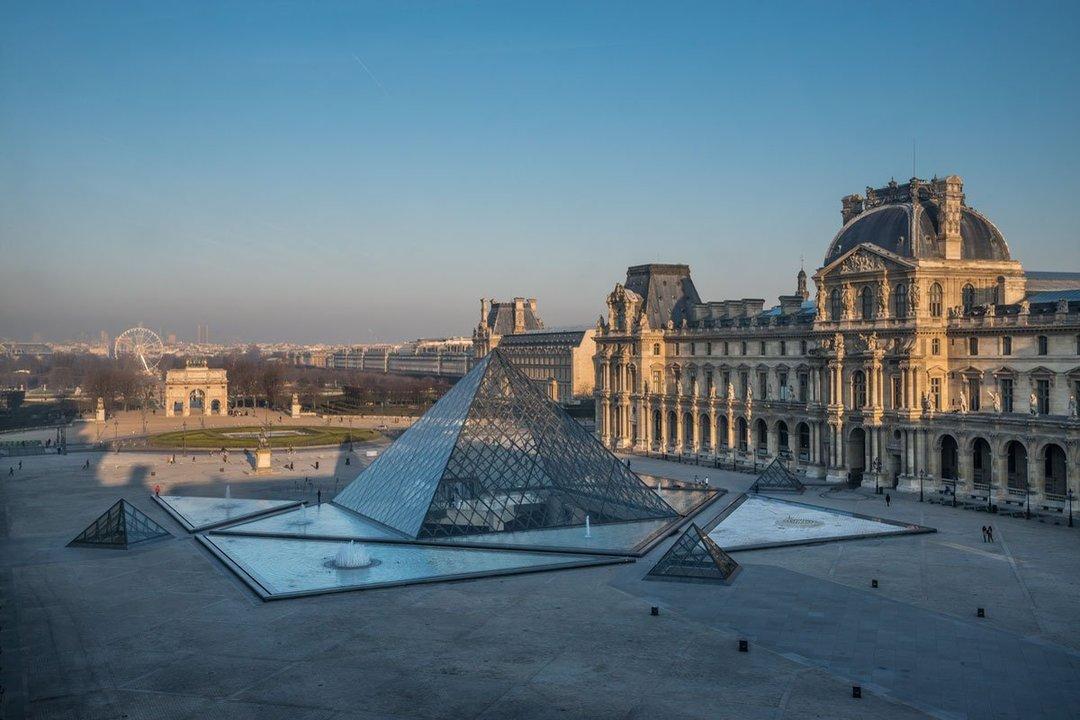 В Париже из-за протестов закроют Эйфелевую башню и Лувр