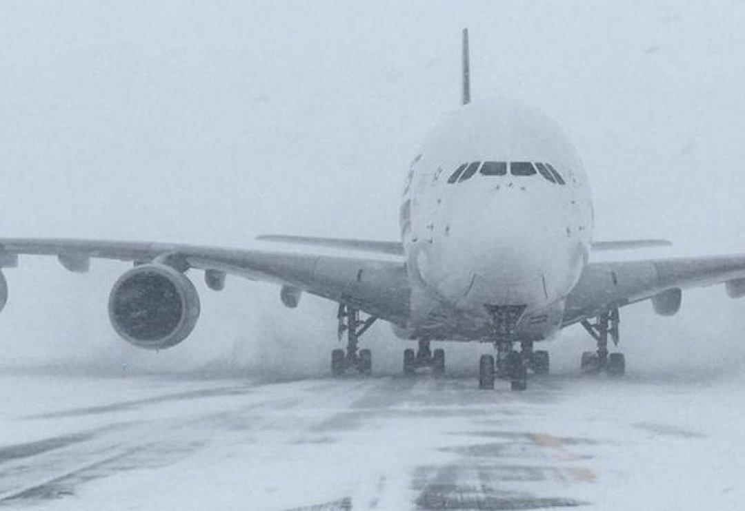 В Украине из-за снегопадов отменяются и задерживаются авиарейсы