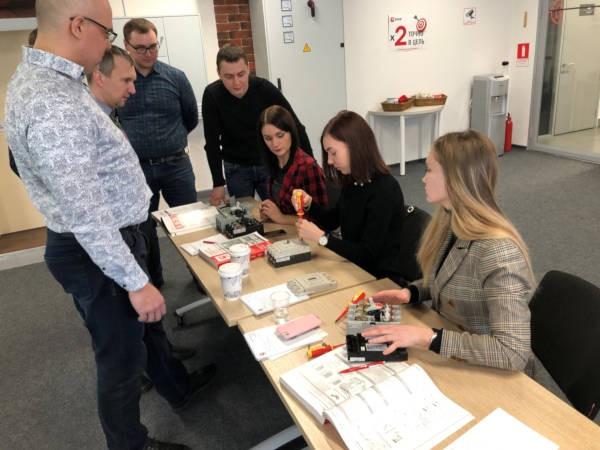 Партнеры EKF прошли обучение по автоматическим выключателям и АВР
