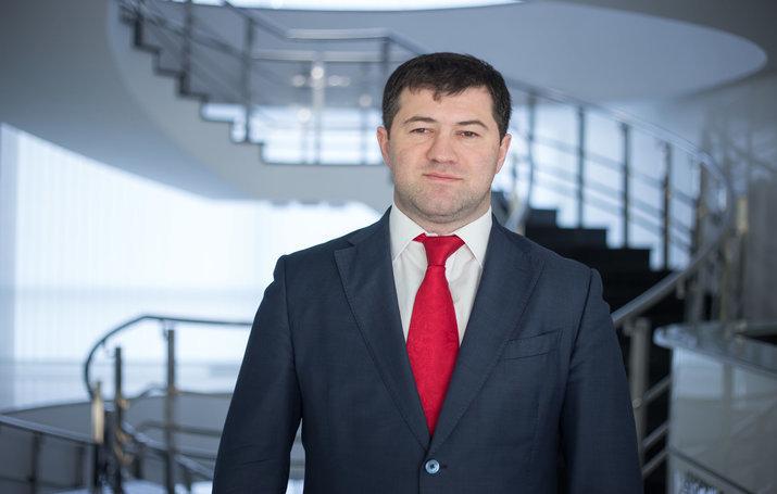 Насиров баллотируется в президенты: принес документы в ЦИК