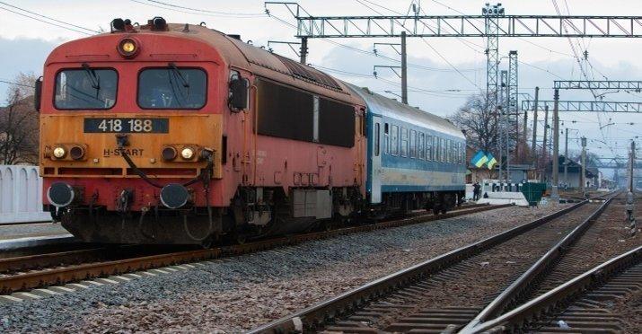 Поезд из Закарпатья в Будапешт ездит наполовину пустой