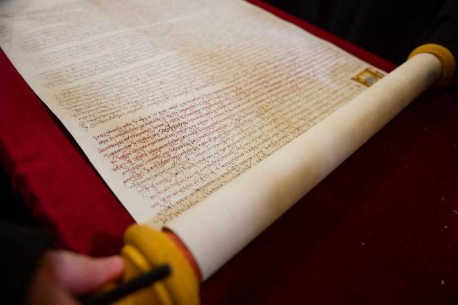Томос временно вернут в Стамбул, чтобы его подписали члены Синода Вселенского патриархата