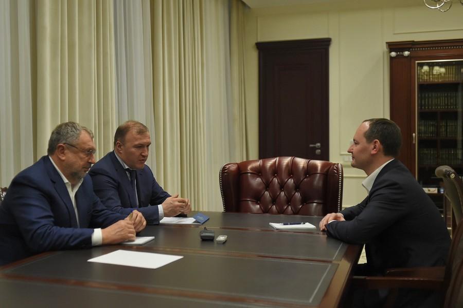 Павел Ливинский и глава Адыгеи Мурат Кумпилов обсудили перспективы развития энергокомплекса региона