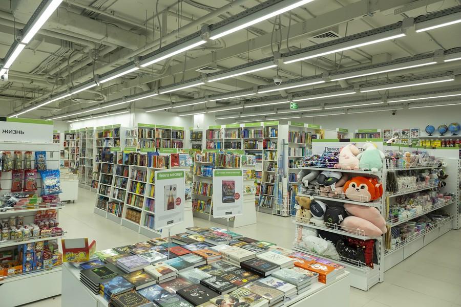 Компания «Триалайт» осуществила проект освещения книжного магазина