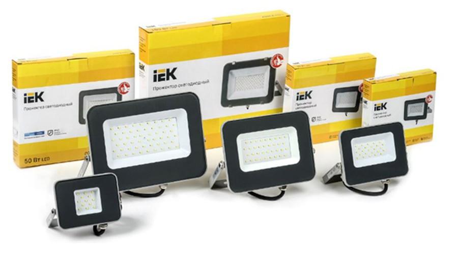 Модернизированные модели прожекторов серии СДО 07 IEK® мощностью 10-100 Вт