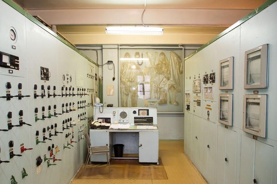 На первой в мире АЭС в Обнинске было использовано оборудование производства завода «Электропульт»