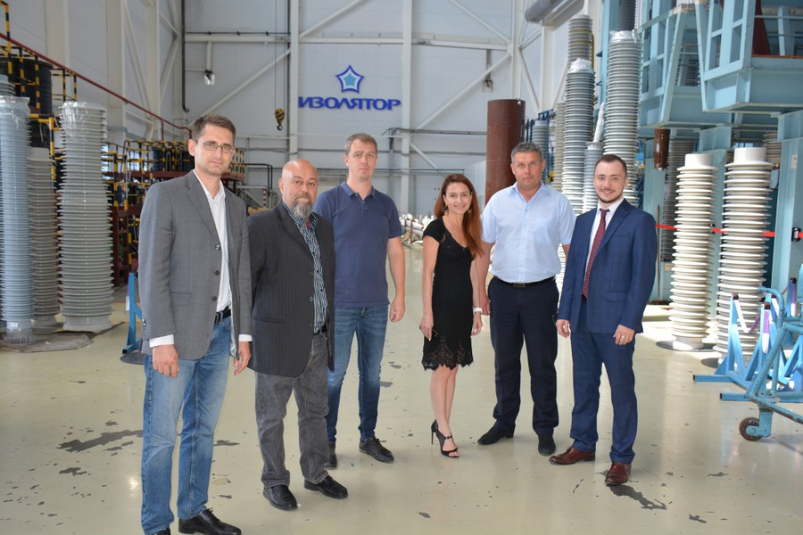 Компания Cartiera di Nebbiuno Srl посетила завод «Изолятор»