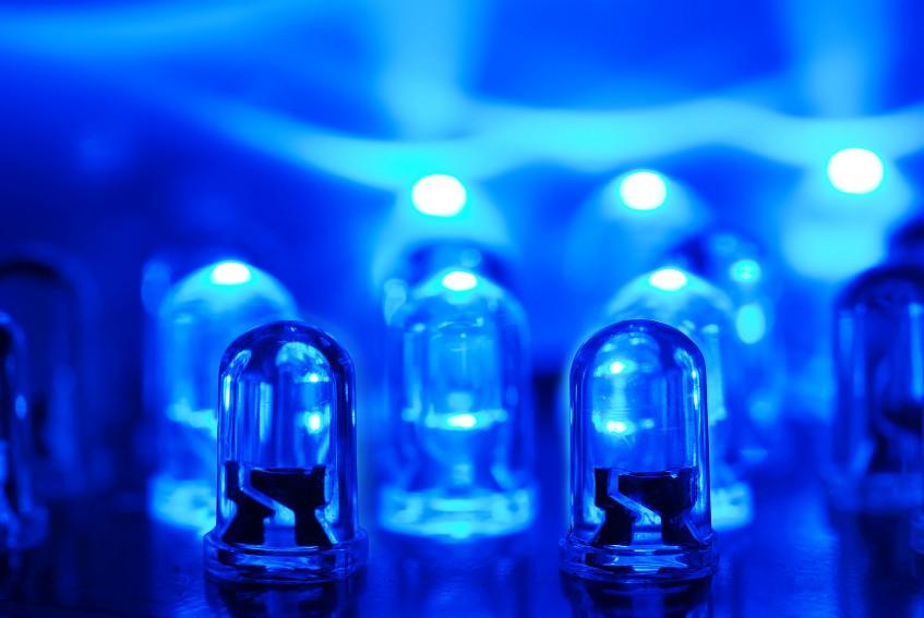 Впервые в России создали синие светодиоды для дисплеев