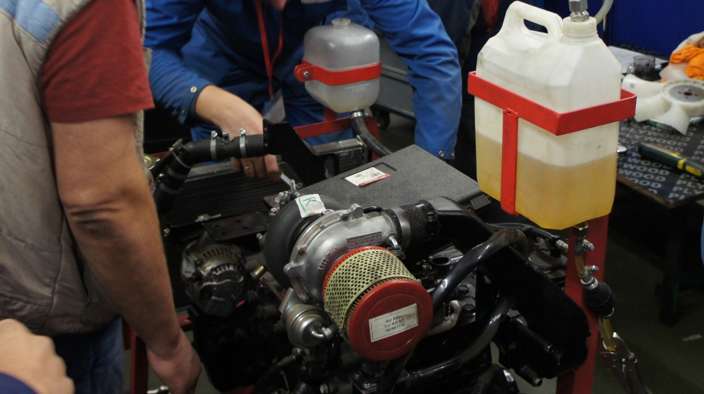 Работа с двигателем 4TNV98T