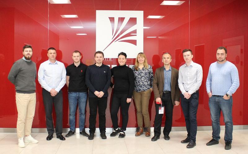Компания EKF провела технический тренинг по основам электротехники для сотрудников ЭТМ