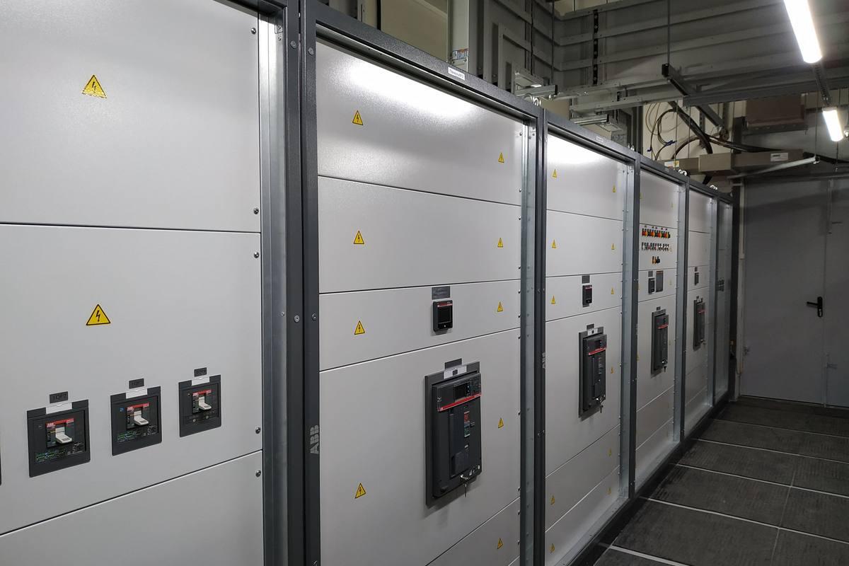 Трансформаторная подстанция и шкафы управления производства АВВ