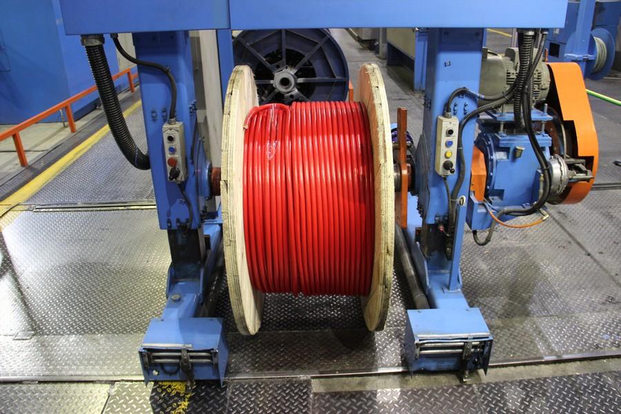 Различное цветовое исполнение кабельно-проводниковых изделий завода «Алюр»