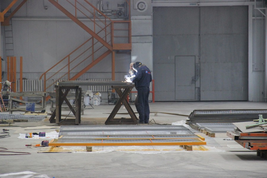 Строящийся цех завода