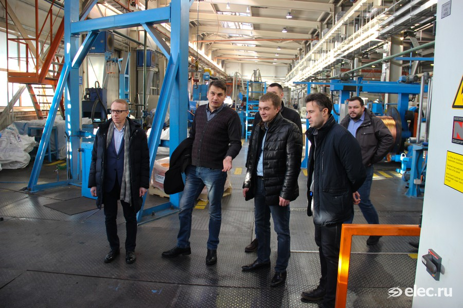 Экскурсия по заводскому цеху «Алюра»
